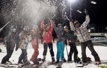 Masella inaugura su temporada de esquí nocturno con gran afluencia