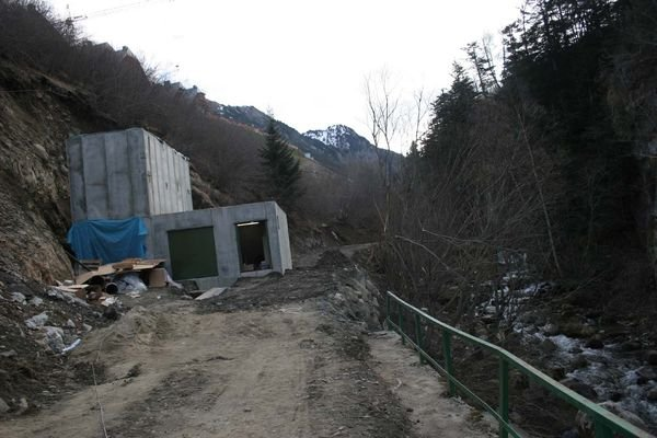 Estacion de bombeo en el rio Ruda