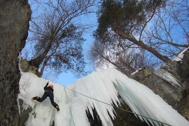 Hautes Alpes:  Escalada en hielo en Les Ecrins