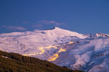 Sierra Nevada marca su récord histórico de esquiadores en un mes de febrero