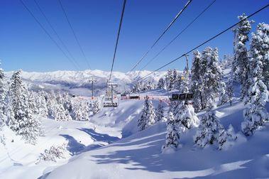 Muere un esquiador japonés en Port Ainé al chocar con un paraviento