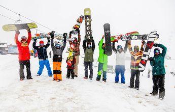 Clínic privado de Lucas Eguibar a 8 snowboarders en Formigal