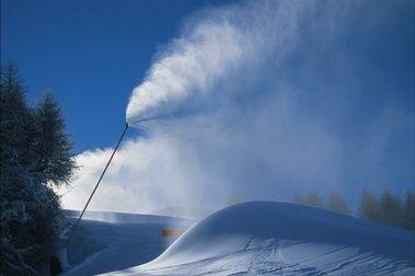 Aprendiendo cómo funciona un sistema de nieve producida