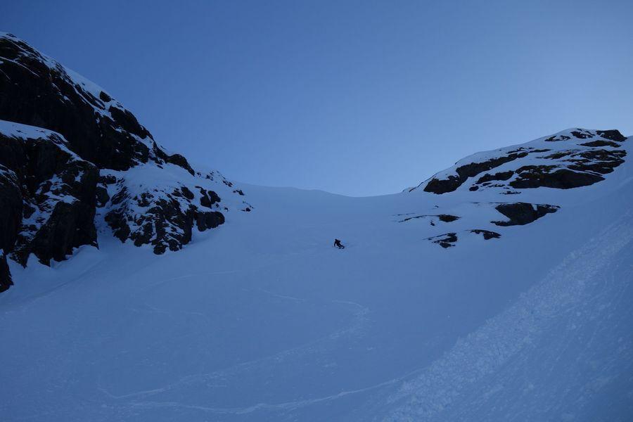 Kjell hacinedo algo diferente a la fotografía. Es de largo el que menos esquia… Foto @jormakivela