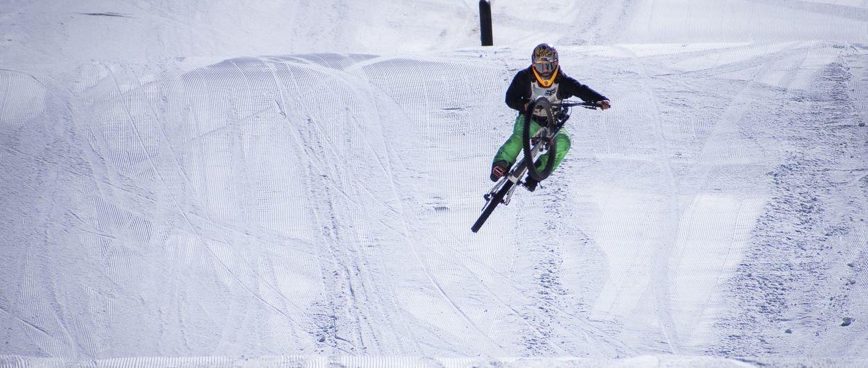 Mountain bike en el Snowpark de Valle Nevado