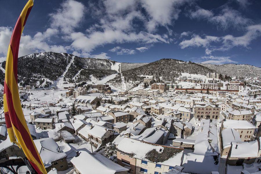 Les Angles esqui y pueblo