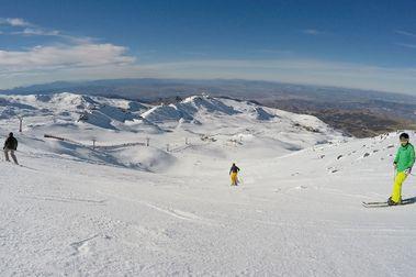 Sierra Nevada abre La Laguna y alcanza los 65 km esquiables