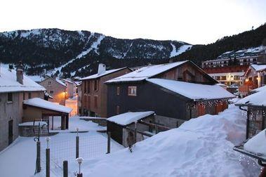 Las Neiges Catalanes reciben el 2018 con nieve recién caída