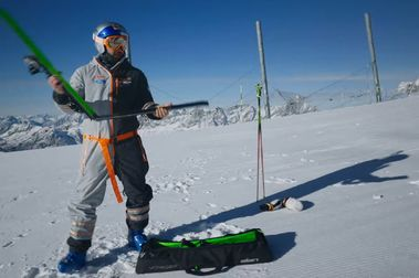 ELAN lanza los primeros esquís plegables de uso urbano y civil
