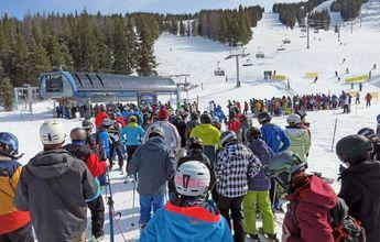 Un esquiador la 'lía parda' en un telesilla de Vail al asegurar que lleva una pistola