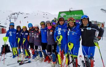 Sierra Nevada acoge los primeros entrenamientos en nieve de la RFEDI