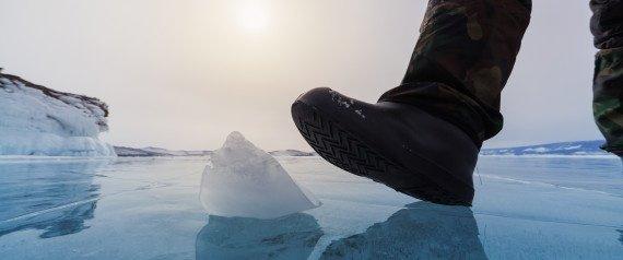 ¿Conoces la técnica para caminar sobre hielo sin resbalar?