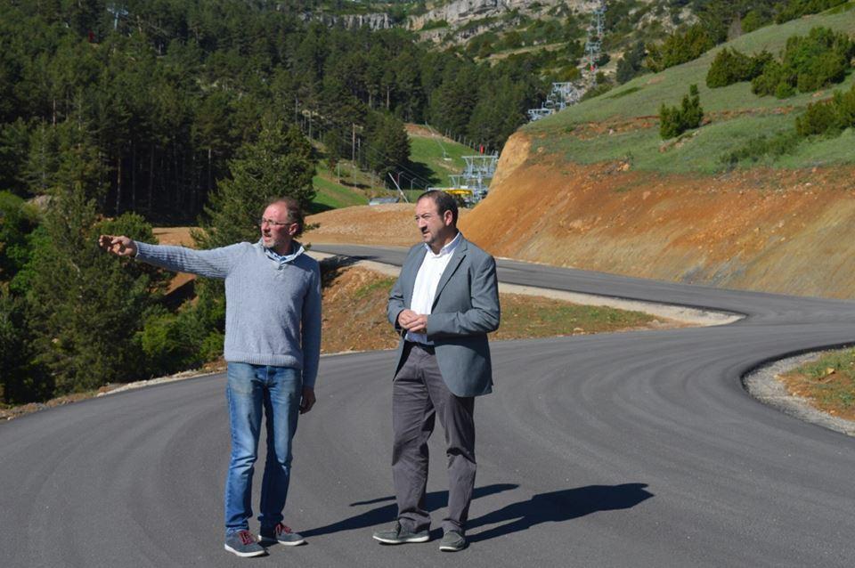 Carretera de acceso a Valdelinares