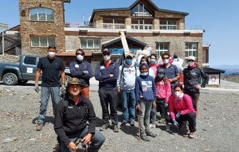 """Cetursa y el """"Batallón Basurista"""" limpian el área esquiable de Sierra Nevada"""
