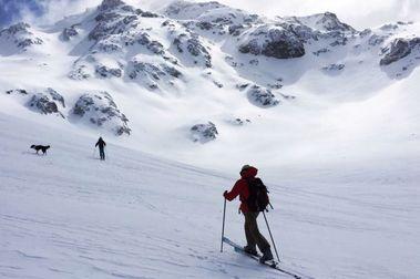 Muere esquiador, en avalancha en Baguales