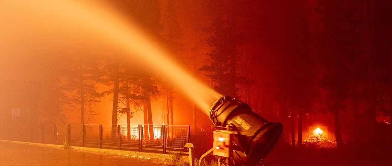 Luchar contra el fuego con cañones de nieve...esto está pasando ahora mismo en USA.