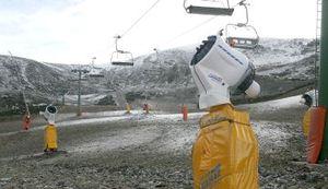 Cañones de nieve artificial en Valdezcaray