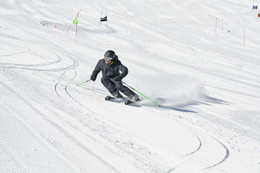 HEAD Ski vuelve a innovar con un pionero sistema de amortiguación electrónico