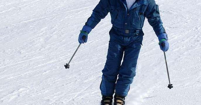 Edades mínima y máxima para el esquí y el snowboard