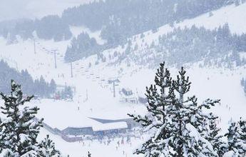 Ración de buena nevada en las estaciones de esquí de Aramón en Huesca