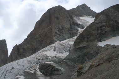 Cinco esquiadores fallecen bajo varias avalanchas de nieve en los Alpes