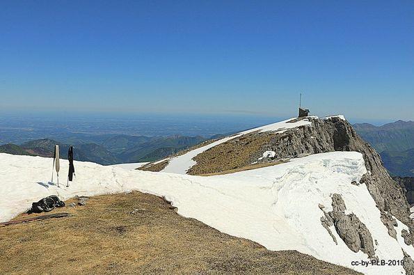 El Soum Couy con esquís un 1 de junio