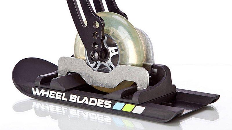 Fotografía de los Wheelblades montados en una silla de ruedas.