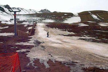 2-Sep-2013: ¡Nevasport esquía en un Penitentes cerrado!