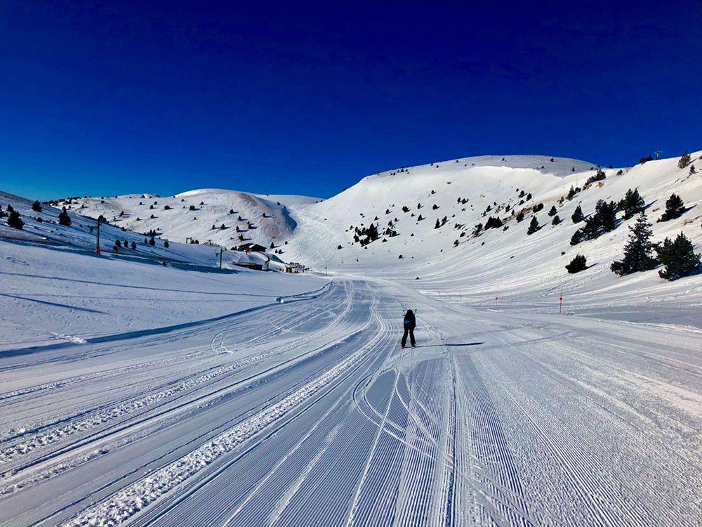 Esquiando hacía la cafetería Estivella
