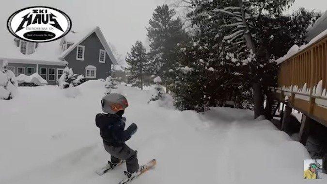 Esquiar con solo 2 años