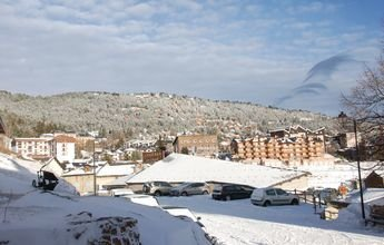 Nueva nevada en Les Angles da paso a su esquí nocturno gratuito