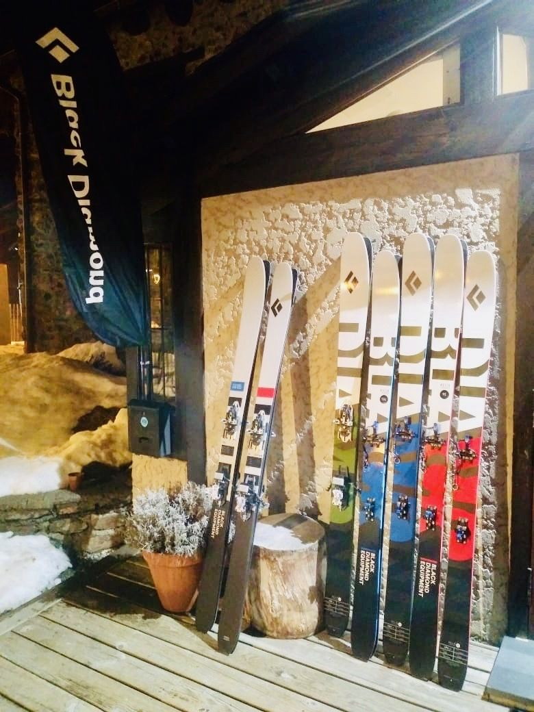 Black Diamond skis
