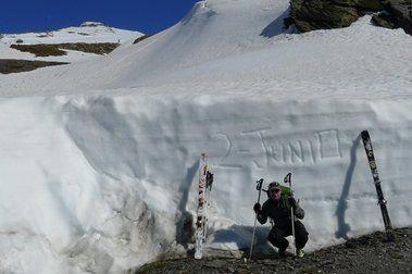 Esquiando en Junio en Sierra Nevada: Elorrieta