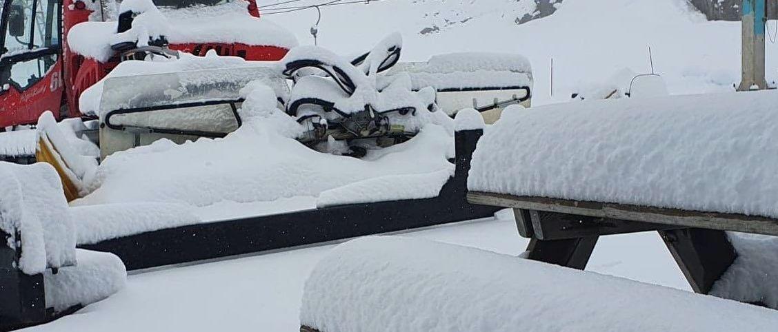 El glaciar esquiable de Fonna recibe una gran nevada en pleno mes de julio
