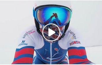 Graham Bell se deja arrastrar sobre unos esquís a más de 188 km/h