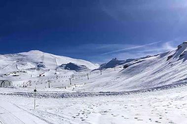 Sierra Nevada abre Loma del Dílar y roza los 70 km de pistas de esquí