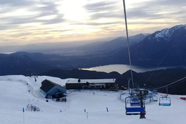 La gran cantidad de nieve permite alargar la temporada de esquí en Cerro Catedral