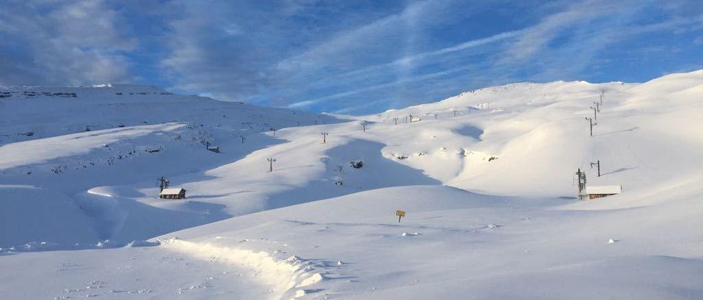Espinosa de los Monteros confía en poder reabrir la estación de esquí de Lunada