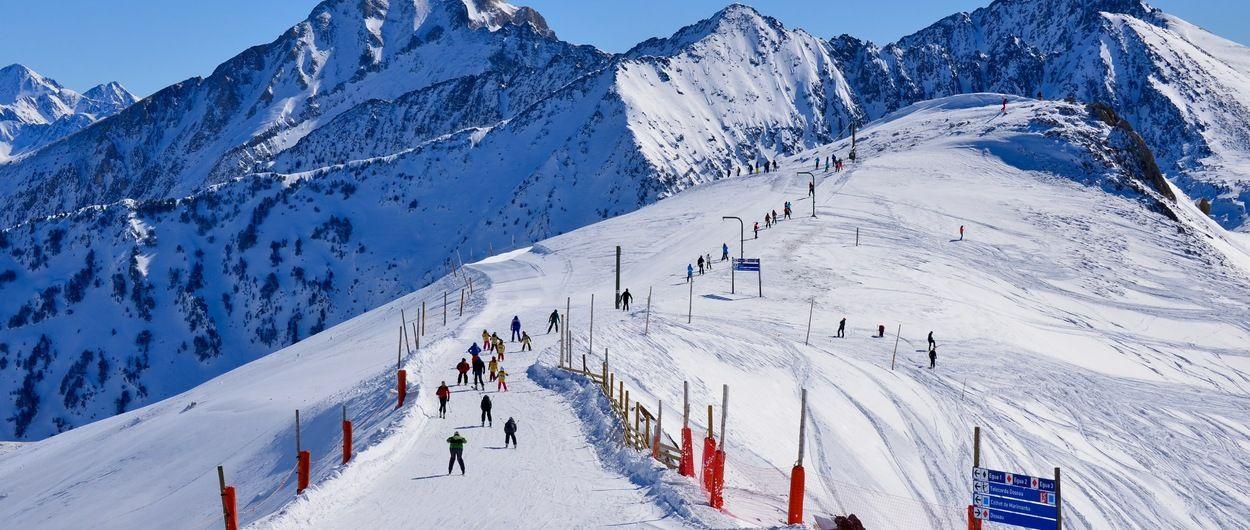 Rescatados dos esquiadores fuera de pista en Baqueira