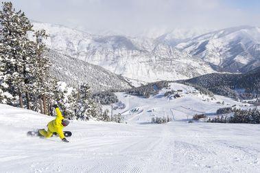Espot abre con el 90% de su dominio esquiable y el nuevo telesilla