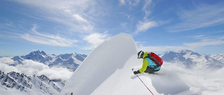 St. Anton. Un esquiador tiene que hacer lo que tiene que hacer, hasta que su destino sea revelado