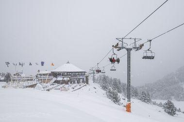 5 razones por las que un debutante se enganchará el esquí si empieza en Espot