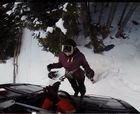 La caída de un arbol atrapa a 200 esquiadores en un telecabina italiano