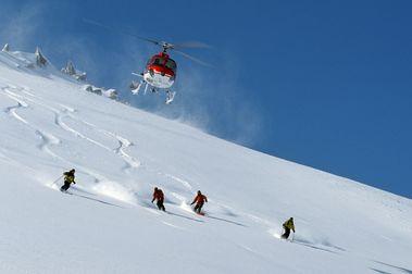 Una empresa logra permiso para hacer heli-ski en el Pirineo de Aragón