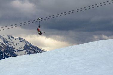 Más de 220 kilómetros de pistas para esquiar en las estaciones de Aramón