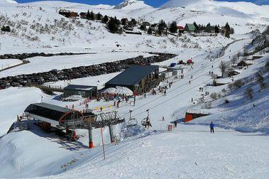 Las estaciones de esquí de Asturias cierran su peor año en décadas