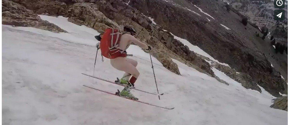Esquiar en pelotas...y con fuegos artificiales.