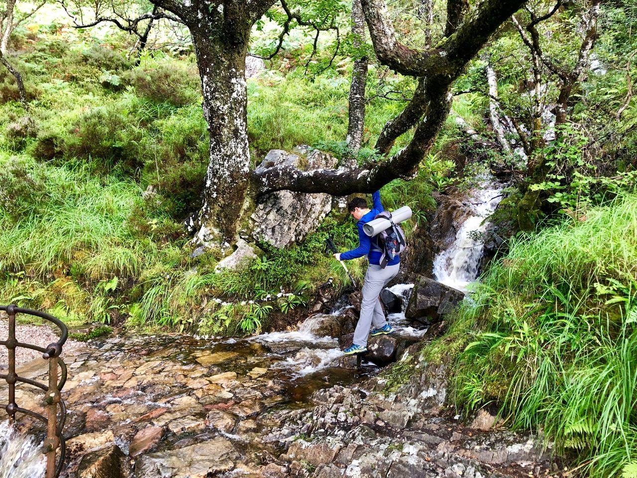 Cruzando río