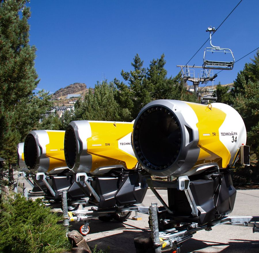 Nuevos cañones de neve artificial para estacion esqui sierra nevada