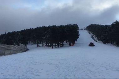 Santa Inés abre la temporada 2020-2021 de esquí alpino en España